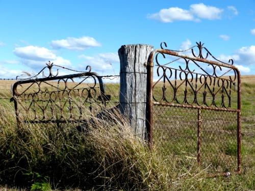 b gate2